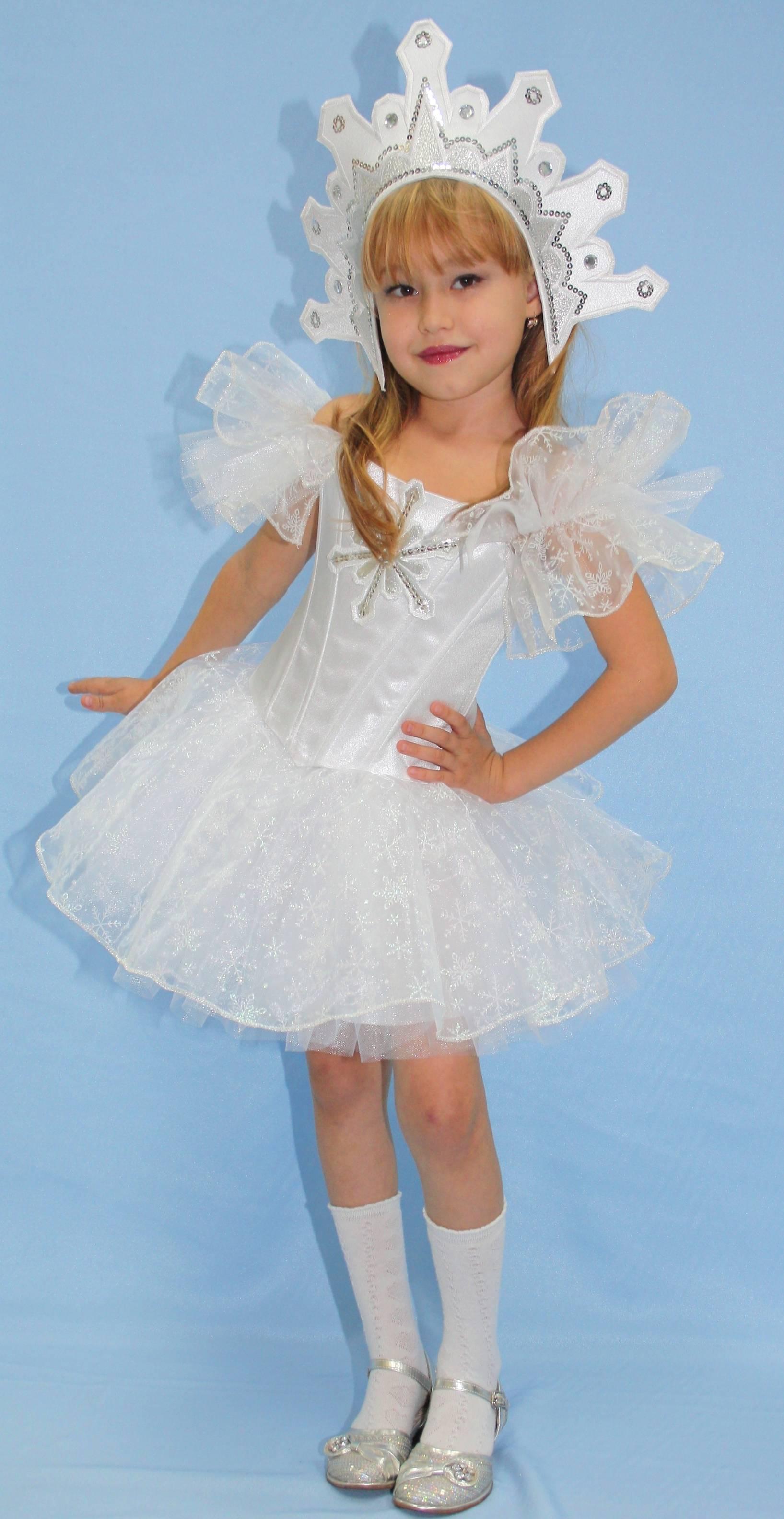 Новогодний костюм девочке своими руками снежинка